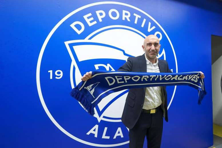 Abelardo fue presentado por el Alavés. EFE