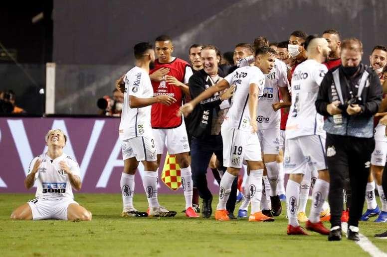 Santos volvió loco a Boca. EFE