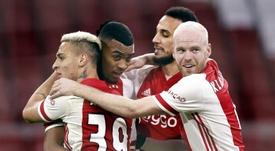 El Ajax ganó con un gol de Gravenberch. EFE/Maurice van Steen