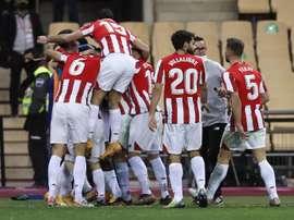 Alkorta félicite l'Athletic Bilbao pour sa victoire. EFE