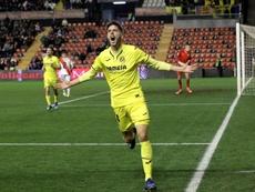 Fer Niño selló el pase del Villarreal con un taconazo. EFE
