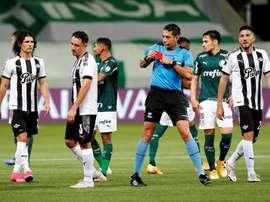Otro árbitro para la final de la Sudamericana. EFE