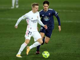 Odegaard é colocado no Arsenal. EFE/Emilio Naranjo