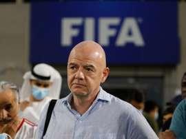 Infantino anunció un programa para salvaguardar los derechos de los niños en el fútbol. EFE