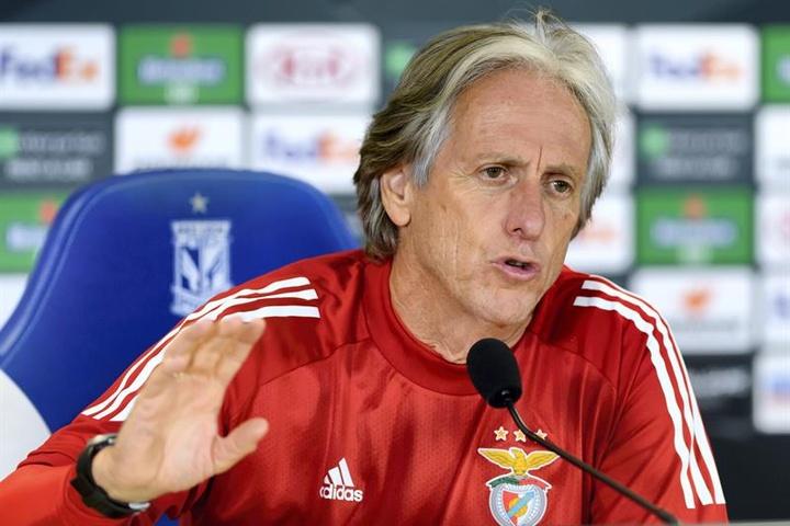Jorge Jesus, técnico do Benfica, está na mira de turcos. EFE/EPA/Jakub Kaczmarczyk/Arquivo