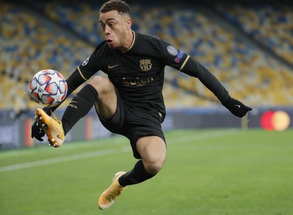 Dest não treina e desfalca o Barça contra o Bayern. AFP