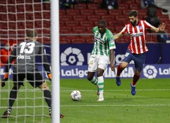 William Carvalho podría acabar en el Milan si al final sale Kessié. EFE