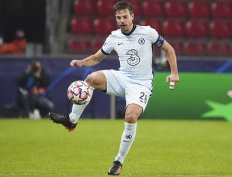 Azpilicueta expresó que Saúl necesita tiempo para adaptarse al Chelsea. EFE