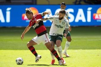 Diego quer se aposentar no Flamengo, mas não agora.EFE