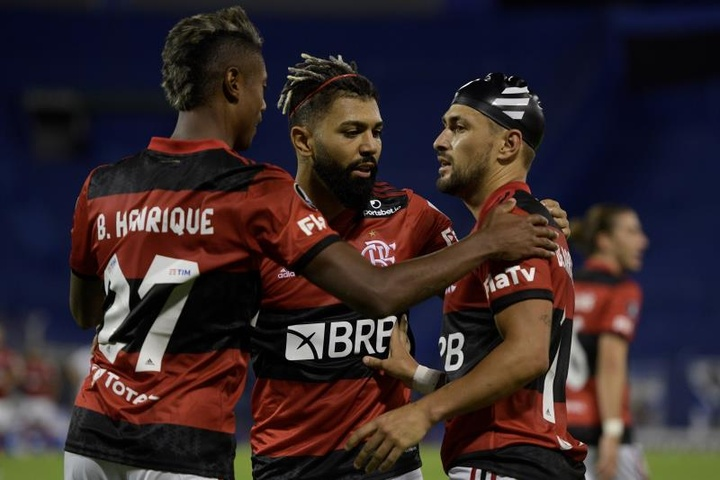Flamengo vence a segunda e domina o Grupo G da Libertadores. AFP