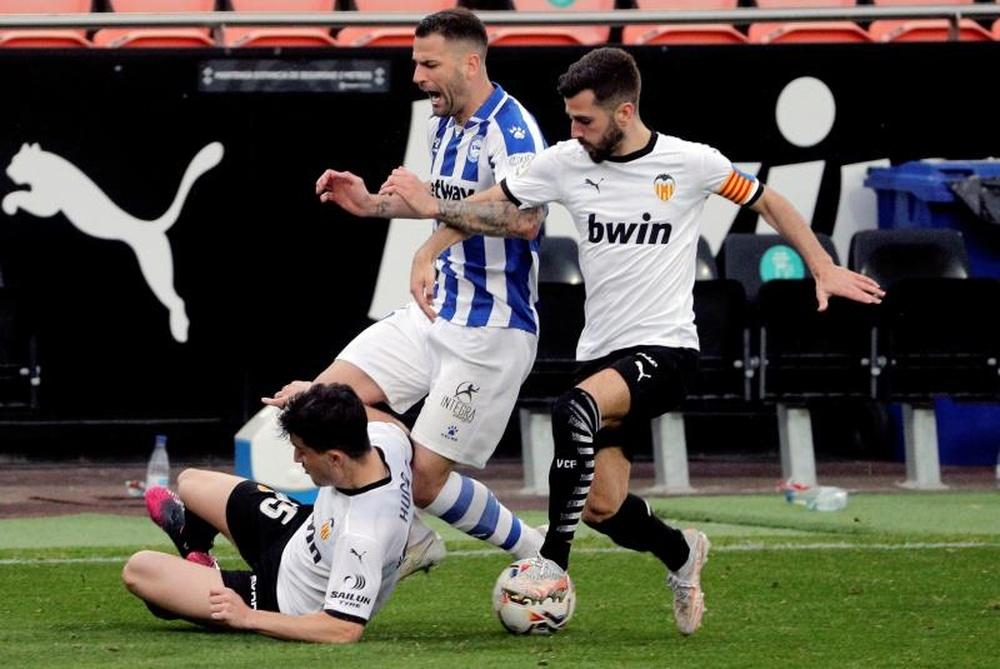 El Valencia quiere renovar a Gayà antes de que empiece la Eurocopa. EFE