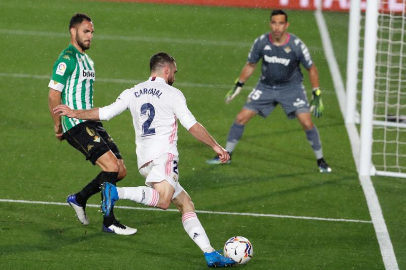 Dani Carvajal renueva con el Madrid