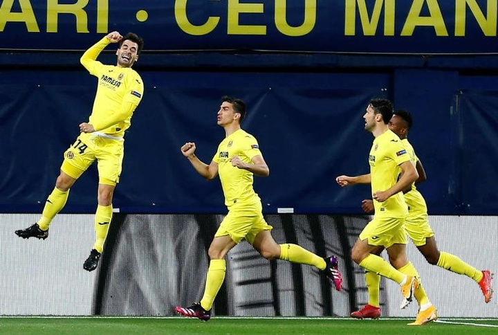 Trigueros lamentó ese gol del Arsenal. EFE