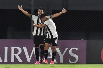 Libertad venció 1-3 a Club River Plate. EFE