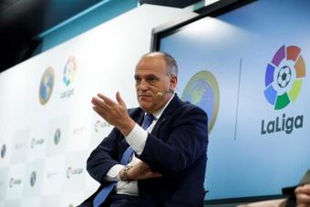 Tebas discutió la posibilidad de un Mundial cada dos años. EFE