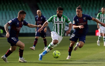 La SD Huesca rechaza otra oferta del Elche por Seoane. EFE