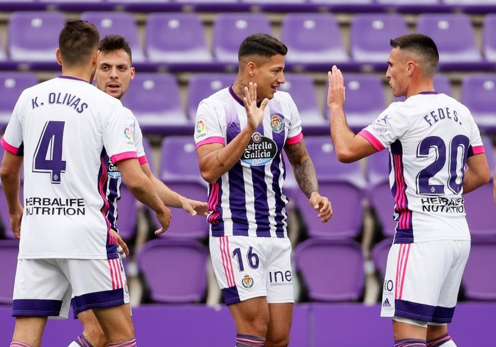 La afición del Valladolid tiene ganas de fútbol. EFE