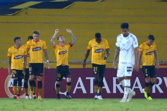 Barcelona ganó con solvencia a Santos. EFE