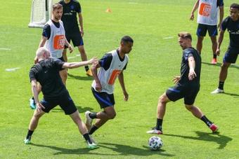 El Bayern apunta dos nombres en su agenda de PSV y Ajax. EFE