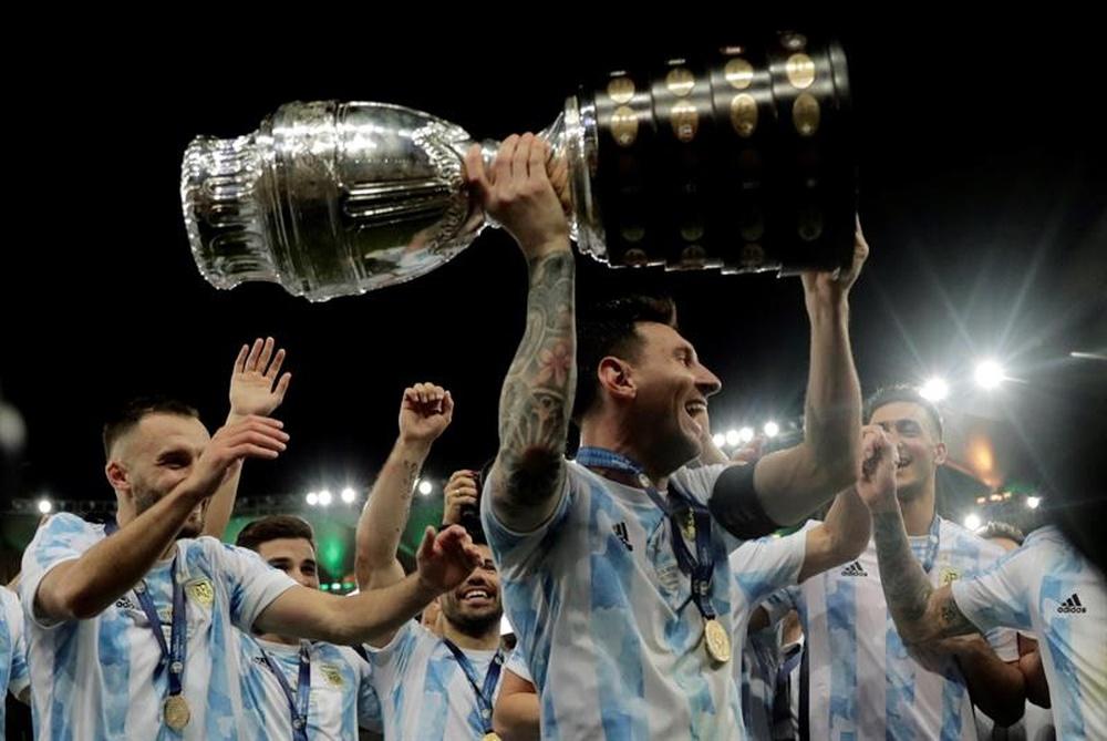 Messi tient-il son 7ème Ballon d'Or ? EFE
