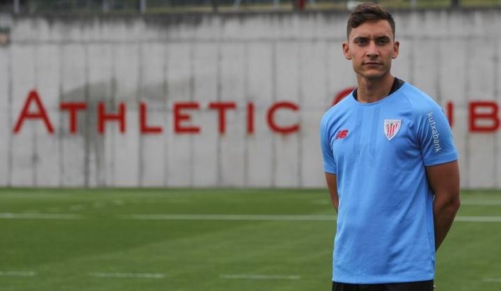 Petxarroman quiere triunfar en el Athletic. EFE