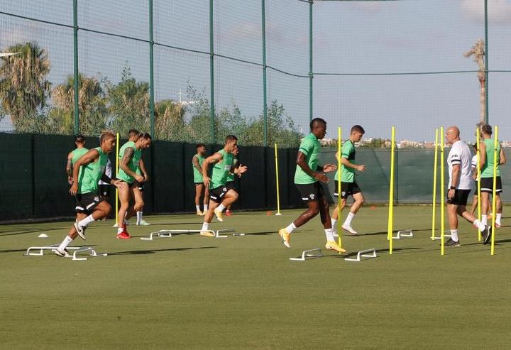 Isaac Obeng recaló en el Espanyol. EFE