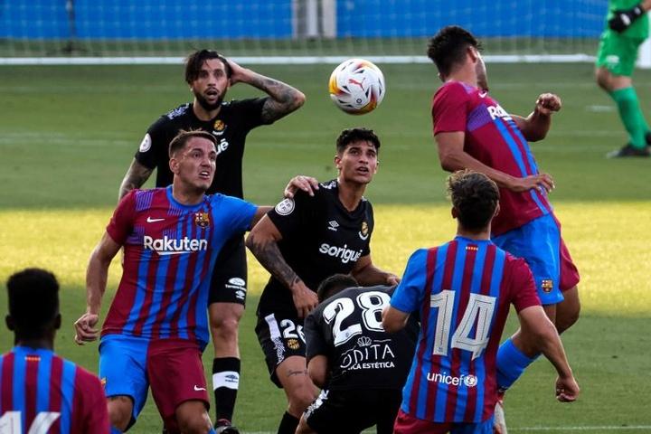 El Barça 2.0 de Koeman se estrena con goleada. EFE