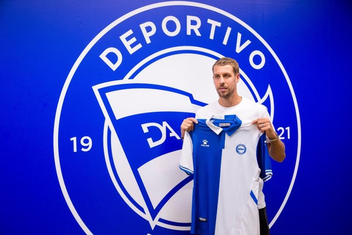 Lejeune est heureux de signer au Deportivo Alavés. EFE