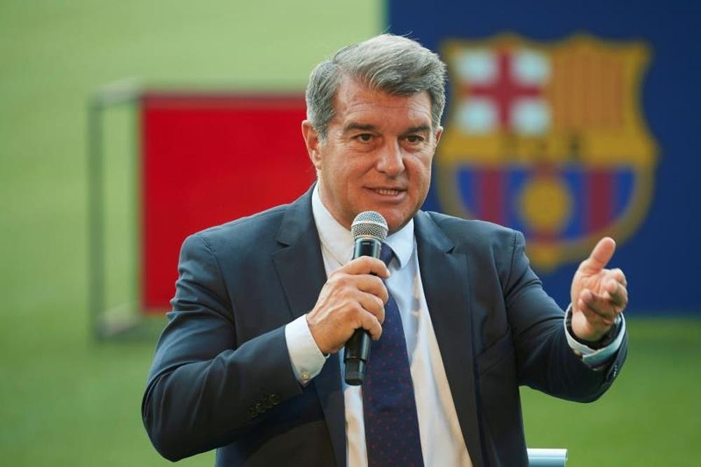 Laporta vai explicar a saída de Messi esta sexta-feira.EFE