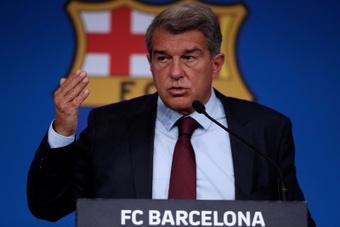 Laporta prevé un futuro más holgado en lo económico para el Barcelona. EFE