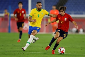 Matheus Cunha would be Atletico's choice for the attack. EFE