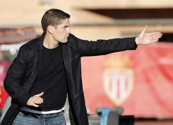 Robert Moreno pasó revista antes de visitar el Camp Nou. EFE