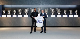 Benzema spoke to Madrid's official media channels after renewing his contract. EFE