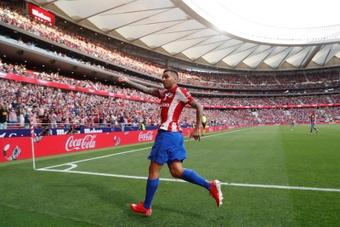 Ángel Correa se llevó el premio al mejor jugador del mes de agosto. EFE