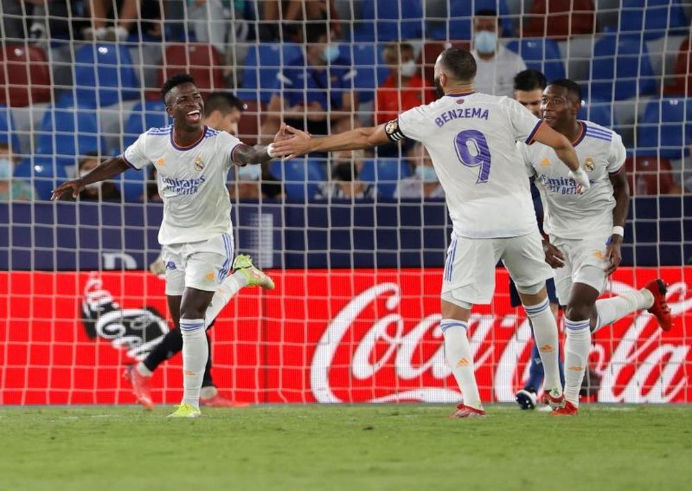 Vinicius se deshizo en elogios hacia Benzema, EFE