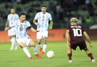 Messi evoluciona bien tras la entrada de Martínez