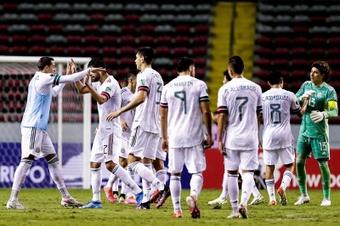México rescata un punto ante Panamá gracias al gol de Corona. EFE