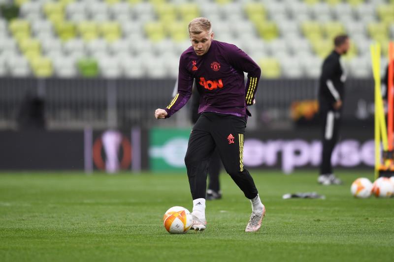 Van de Beek determined to leave Man Utd in January