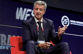 Gil Marín dio su opinión sobre el lío de las instituciones de fútbol y la Superliga. EFE