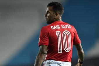 Dani Alves ya está oficialmente desvinculado de Sao Paulo. EFE/Archivo