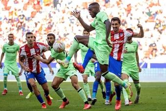 El Atlético se marchó enfadado con Gil Manzano. EFE/Juan Carlos Hidalgo