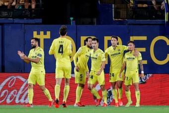 El Villarreal venció 4-1 al Elche. EFE