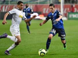 El jugador de 19 años deja el Angers para buscar minutos fuera. Angers