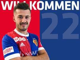 Albian Ajeti, o novo jogador do FC Basel. Twitter/FCBasel