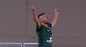 Alan Ruschel, comemorando o gol pelo Goiás no Brasileirão 2019-20. Captura/SporTV
