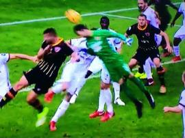 Brignoli 'salvou' o Benevento nos instantes finais da partida. Twitter