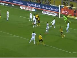 Alcacer scores for Dortmund. Captura