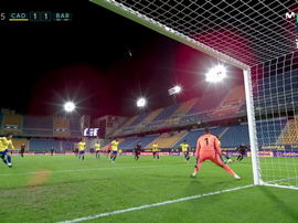 Cadiz's Alcala turned the ball into his own net. Screenshot/MovistarLaLiga
