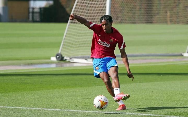 Alejandro Balde, una perla para el lateral izquierdo a punto de dar el salto. Twitter/FCBarcelona