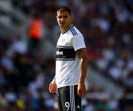 Mitrovic vio puerta para el Fulham. Twitter/FulhamFC